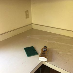 Bar Keepers Friend cleans laminate countertops