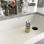Remove rust stains and scratches from your sink