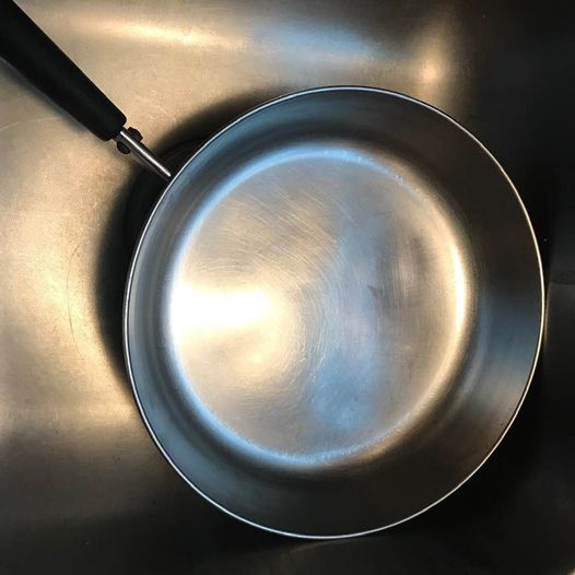 How to Clean a Scorched Pan - how to clean a burnt pan - Image 3 - Pan After